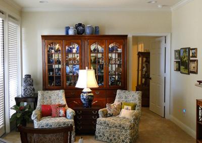 art-vases-arranged-living-area