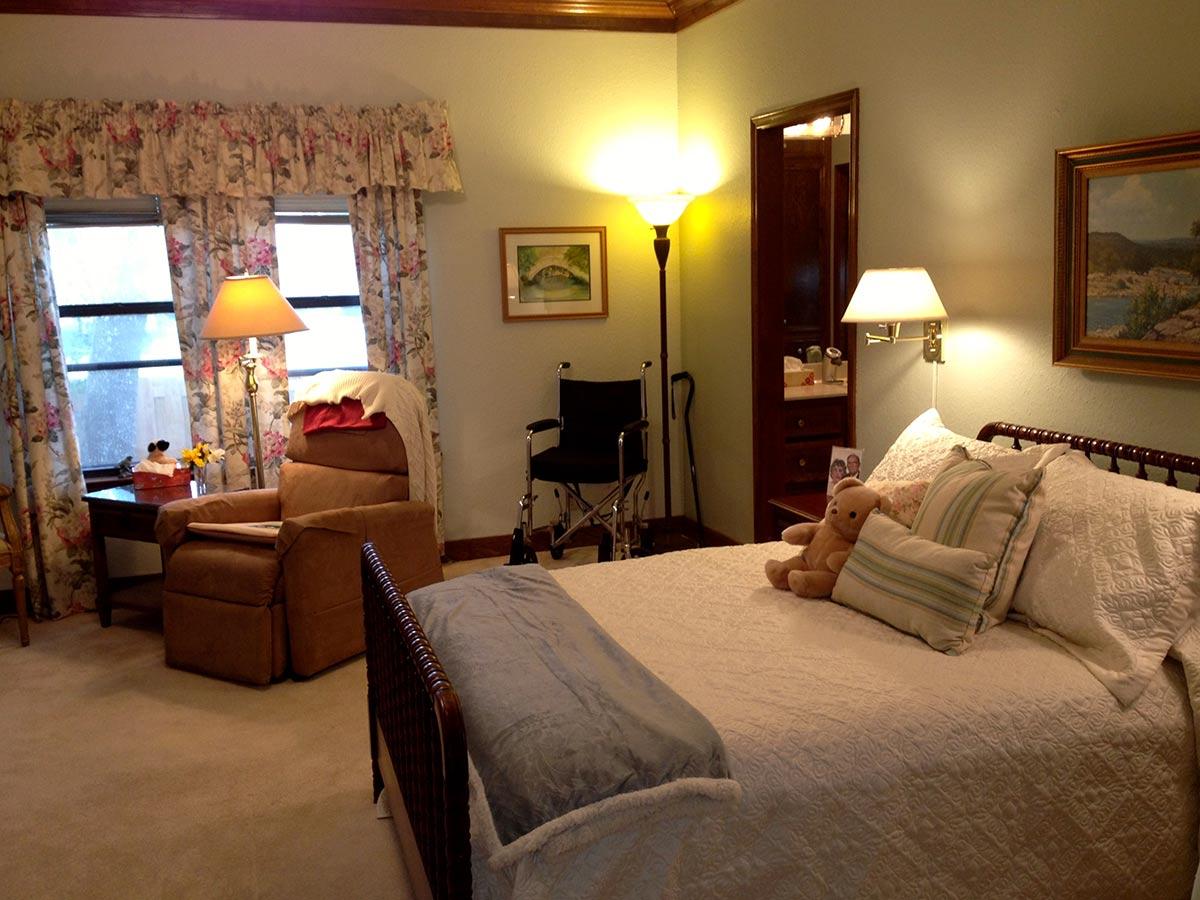 Master Bedroom Warm Cozy Senior Move