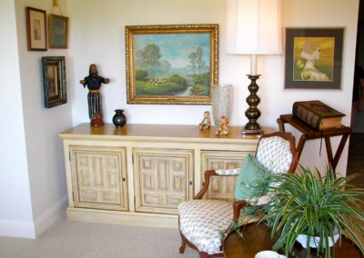 Senior's home in Austin organized and decluttered to create a peaceful living area.